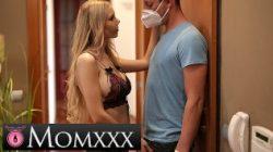 MOM.XXX Wirus Corona rucha się z samo izolującą się blond MILF
